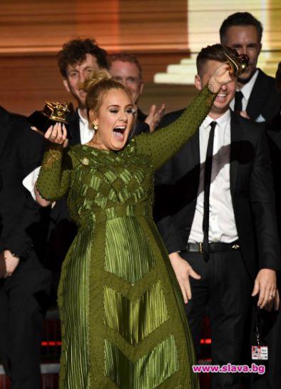 Адел триумфира на наградите Грами