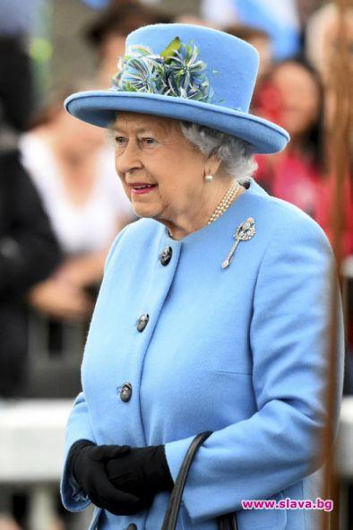 Продават на търг играчките на кралица Елизабет