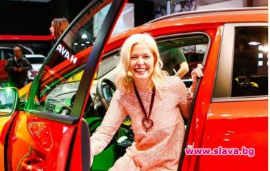 Алекс Сърчаджиева се похвли с нов джип