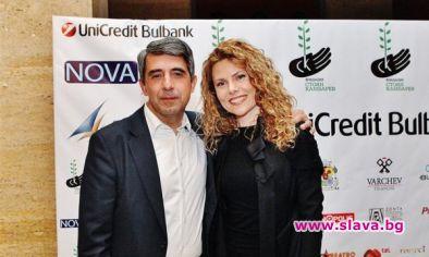 Деси Банова: Още не съм бременна от Плевнелиев, но много искам