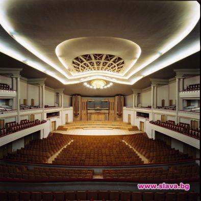 Соня Йончева и Софийската филхармония ни отсрамват в Брюксел
