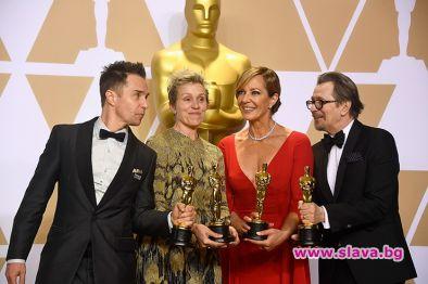 И наградата Оскар отива при...