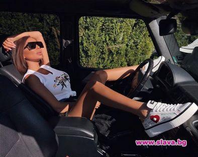 Николета се разчекна в новата кола на Ники
