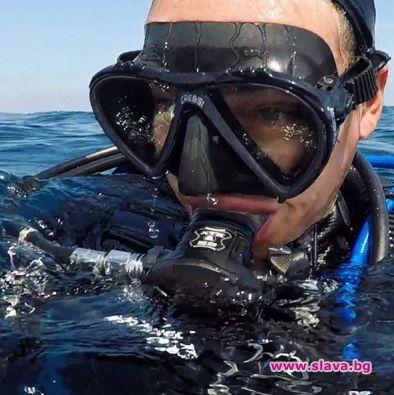 Алекс Раева се гмурка на Малдивите