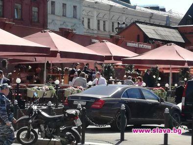 Президентът и съпругата му на кафе в центъра на Москва