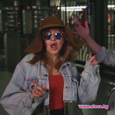 Кристина Агилера с таен концерт в нюйоркското метро