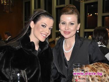 Илиана Раева: Долу ръцете от дъщерря ми!