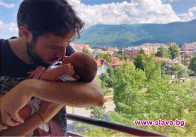 Салпаров и д-р Стилянова показаха бебето