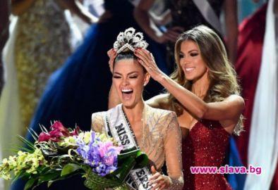 Коронясват следващата Мис Вселена в Тайланд