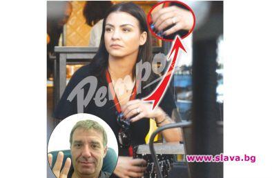 Деси Цонева се сгоди за набор на баща си