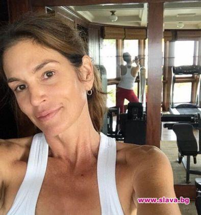 Синди Крауфорд - на 52 и без грим