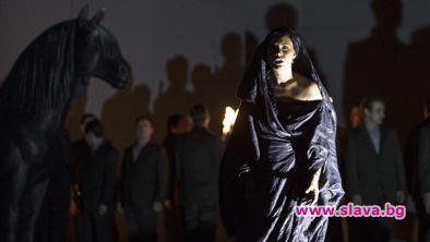 Соня Йончева дебютира като Медея
