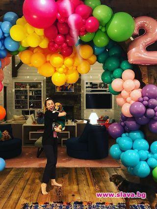 Майли Сайръс на 26, празнува с Лиъм