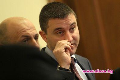 НАП спи: Като Горанов ползват апартаменти над 500 висши служители. Има ли...