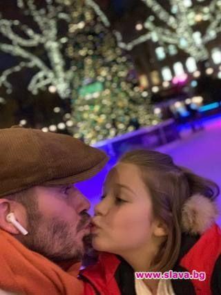 Целувка между Дейвид Бекъм и дъщеря му разгневи интернет