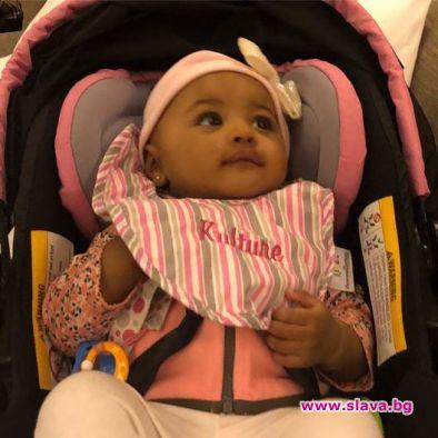 Карди Би показа за първи път дъщеря си