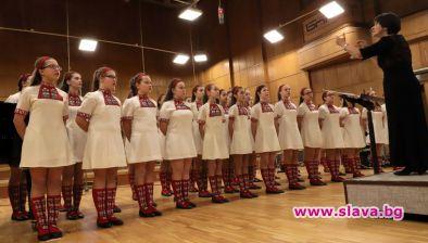 Коледен празник в две вечери е подготвил Детският хор на БНР