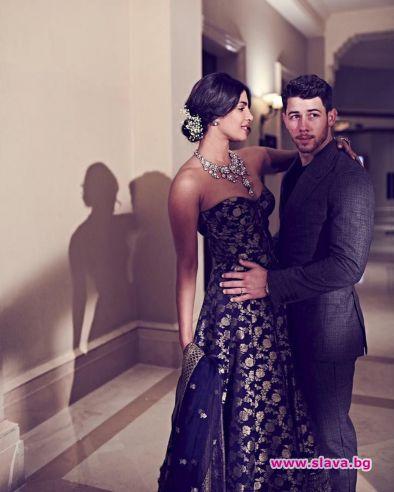 Приянка и Ник се върнаха в Индия за още сватбени тържества