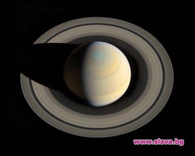 Сатурн губи пръстените си, твърди НАСА