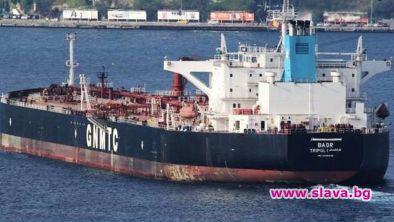25-годишен либийски дълг от петролни находища стои зад задържания кораб