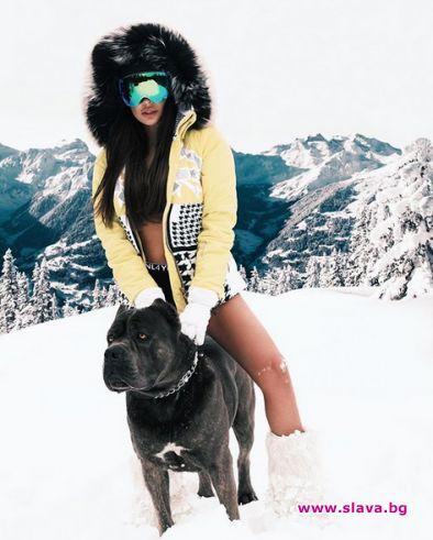 Николета хвърли дрехите в снега