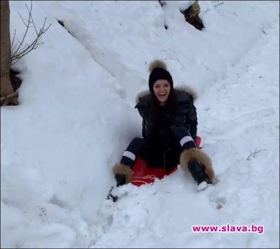 Преслава на шейна в снега