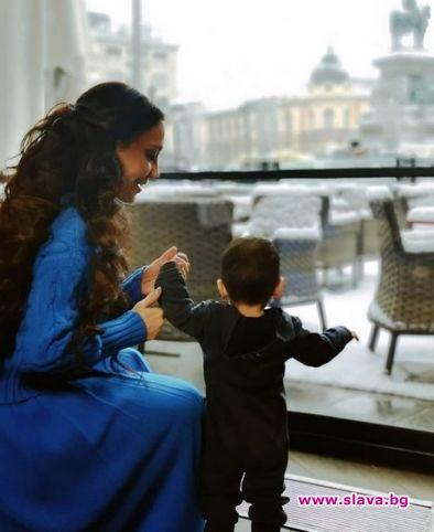 Мария Илиева води бебето в САЩ