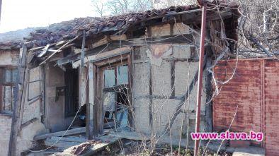 Още 2 къщи рухват в Стария Пловдив