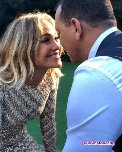 Джей Ло и Алекс Родригес празнуват 2 години любов