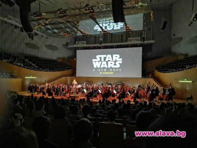 10 мин. аплауз за наш оркестър в Шанхай
