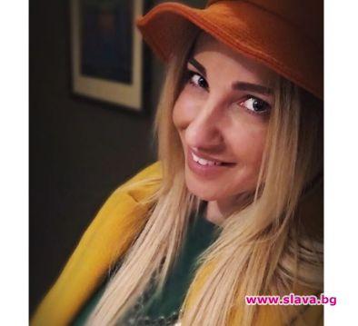 Алекс Раева ще става майка