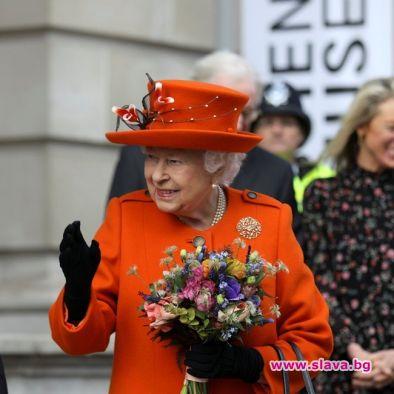 Кралицата наближава 93 години с чаша шампанско на ден