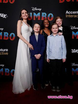 Джоли с децата: Всеки ден е приключение
