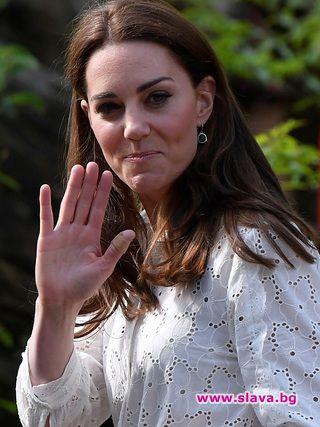 Кейт Мидълтън все по-често с превързани пръсти. Защо?