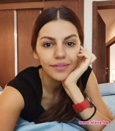 Михаела Филева се пусна без грим
