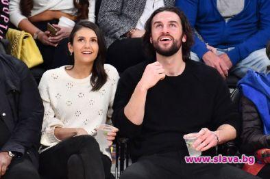 Новото гадже на Нина Добрев двойник на бившия й