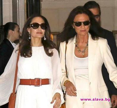 Джоли озари Париж