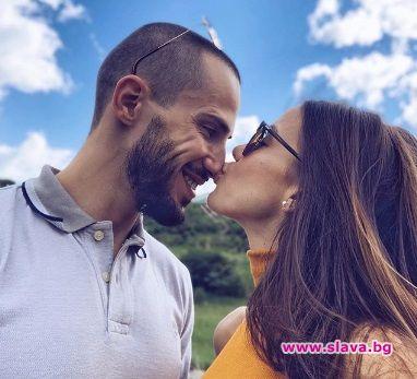 Наум Шопов и Теа вдигат сватба преди появата на бебето