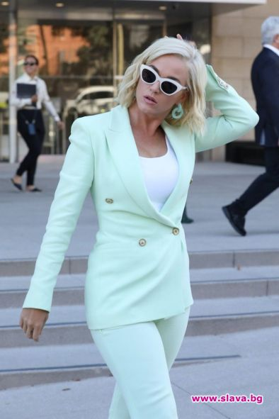 Кейти Пери с лош старт в борбата в съда