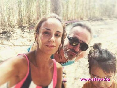 Радина и Деян Донков на почивка в Гърция