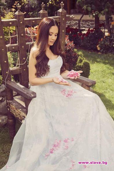 Мариана Попова вдига сватба след месец?