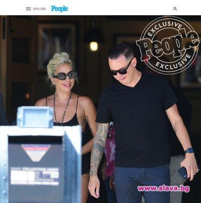 Лейди Гага и новото й гадже се появиха заедно публично
