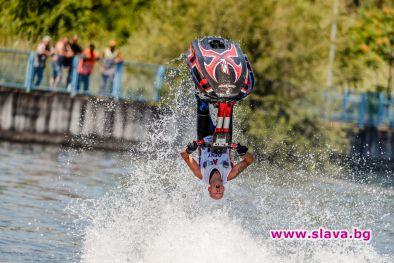 Джет ски Европейска купа и нощно шоу във водите на язовир Искър
