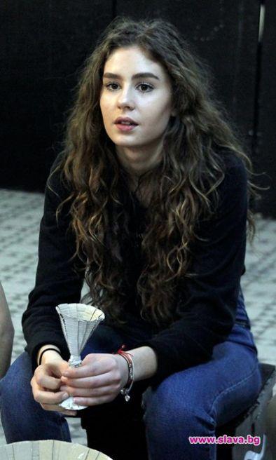 Дъщерята на Румен Радев проговори за личния си живот