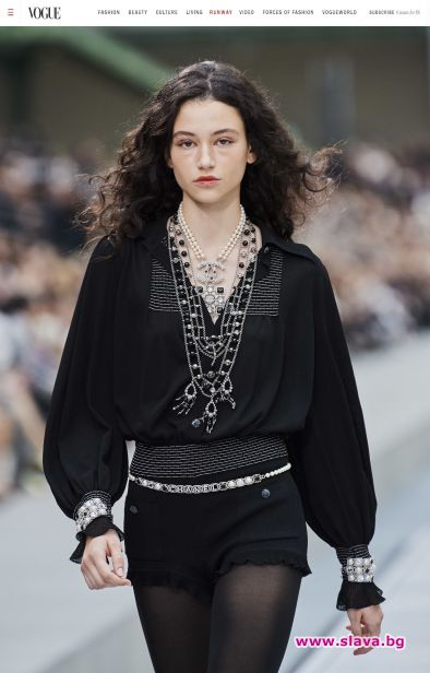 Chanel отново заложи на Бел за Седмицата на модата в Париж