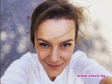 Дария Симеонова остави бебето на бабите