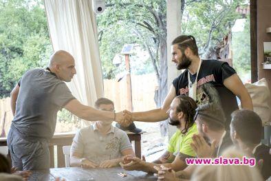 Дуел между Шопски и Митко Караиванов във Фермата