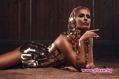 Анелия се превъръща в Клеопатра