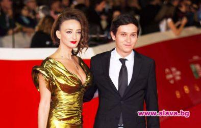 Деси Тенекеджиева на червения килим в Рим с млад актьор