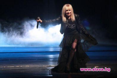 Сайтове подбиват цената на билетите за Лили Иванова в НДК
